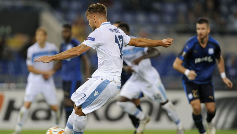 ROME, ITALY - SEPTEMBER 20:  Ciro Immobile of SS Lazio scores a second goal a penalty during the UEFA Europa League Group H match between SS Lazio and Apollon Limassol at Stadio Olimpico on September 20, 2018 in Rome, Italy.  (Photo by Marco Rosi/Getty Images)