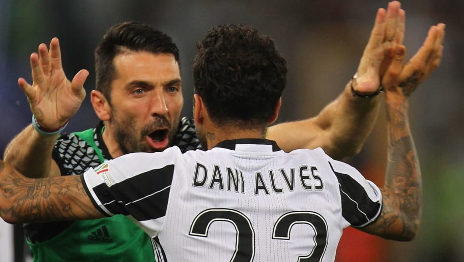 Dani Alves,Gianluigi Buffon