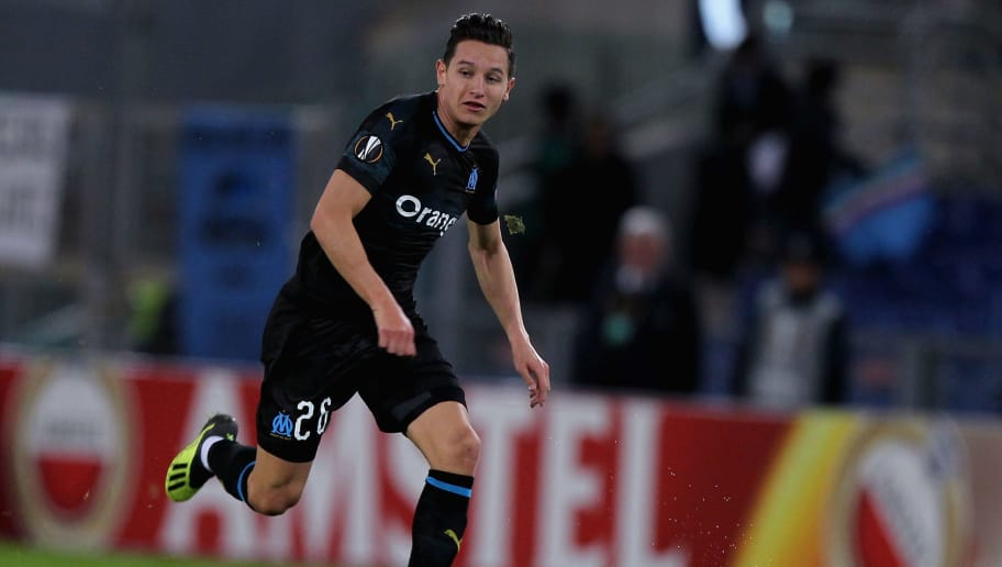 ROME, ITALY - NOVEMBER 08:  Florian Thauvin of Olympique de Marseille in action against SS Lazio players during the UEFA Europa League Group H match between SS Lazio and Olympique de Marseille at Stadio Olimpico on November 8, 2018 in Rome, Italy.  (Photo by Olympique de Marseille/Getty Images)
