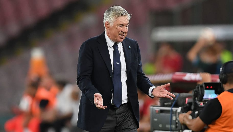 NAPLES, ITALY - AUGUST 25:  Coach of SSC Napoli Carlo Ancelotti gestures during the serie A match between SSC Napoli and AC Milan at Stadio San Paolo on August 25, 2018 in Naples, Italy.  (Photo by Francesco Pecoraro/Getty Images)