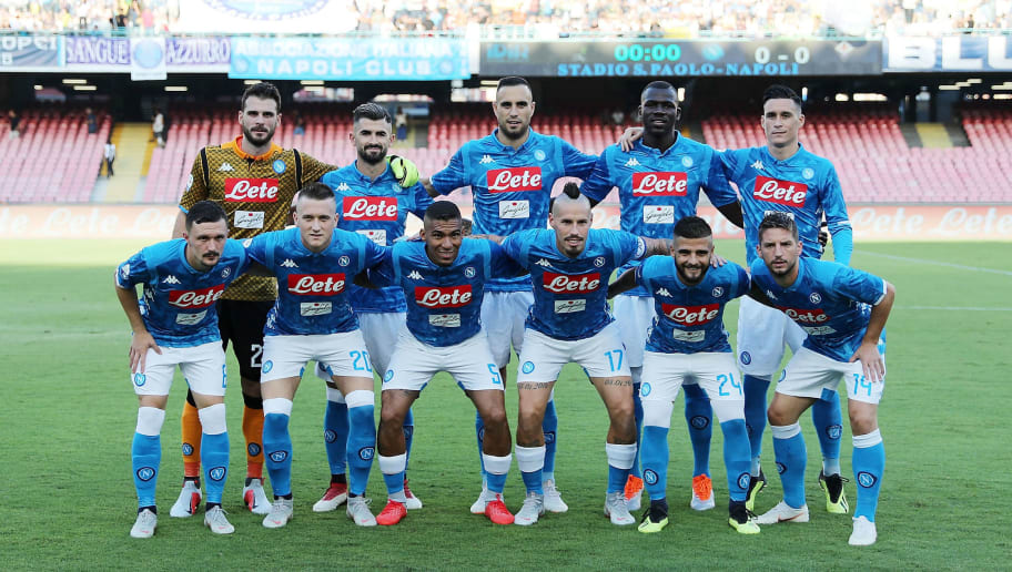 NAPLES, ITALY - SEPTEMBER 15: Team of SSC Napoli before the serie A match between SSC Napoli and ACF Fiorentina at Stadio San Paolo on September 15, 2018 in Naples, Italy.  (Photo by Francesco Pecoraro/Getty Images)