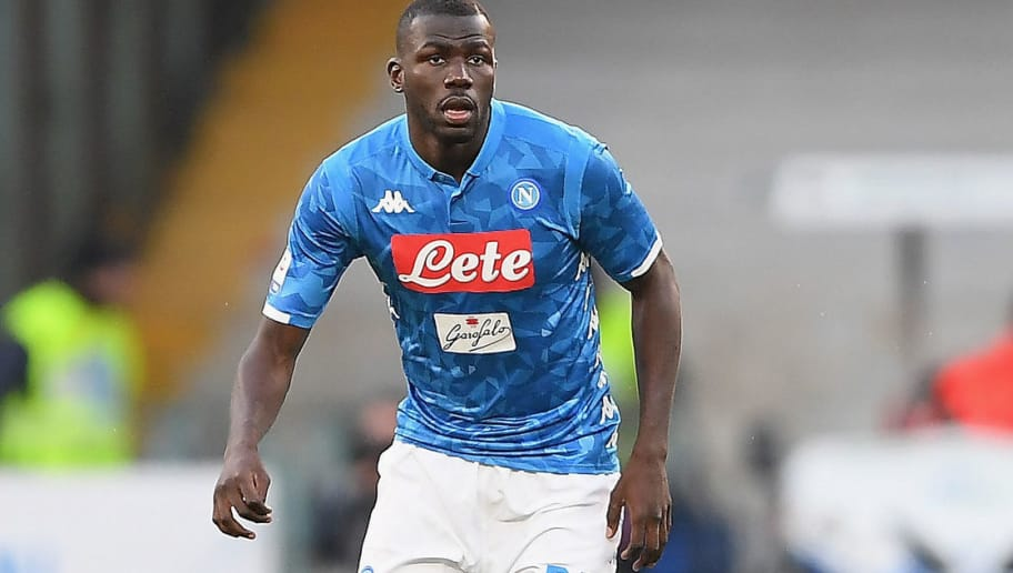 NAPLES, ITALY - DECEMBER 08:  Kalidou Koulibaly of SSC Napoli in action during the Serie A match between SSC Napoli and Frosinone Calcio at Stadio San Paolo on December 8, 2018 in Naples, Italy.  (Photo by Francesco Pecoraro/Getty Images)