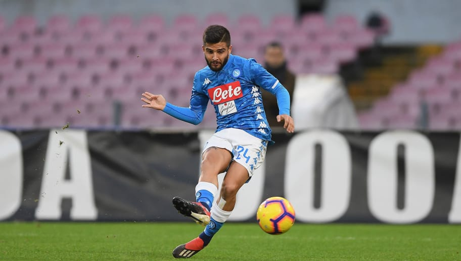 NAPLES, ITALY - DECEMBER 08:  Lorenzo Insigne of SSC Napoli in action during the Serie A match between SSC Napoli and Frosinone Calcio at Stadio San Paolo on December 8, 2018 in Naples, Italy.  (Photo by Francesco Pecoraro/Getty Images)