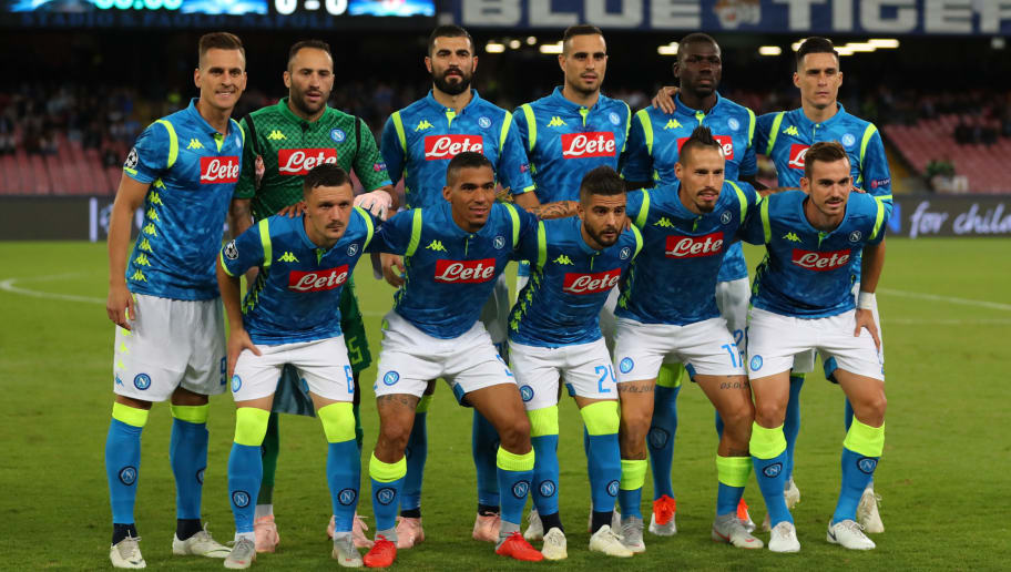 NAPLES, ITALY - OCTOBER 03: Napoli team group prior to the Group C match of the UEFA Champions League between SSC Napoli and Liverpool at Stadio San Paolo on October 3, 2018 in Naples, Italy. (Photo by Catherine Ivill/Getty Images)