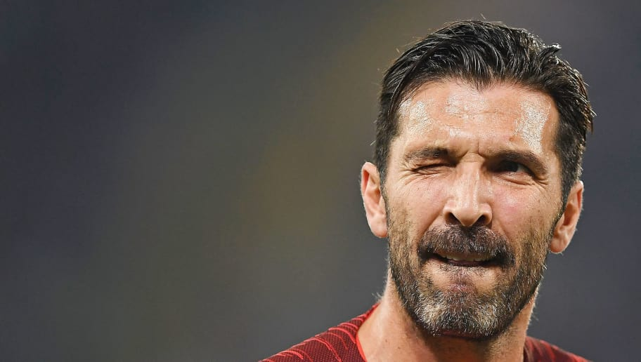 NAPLES, ITALY - NOVEMBER 06:  Gianluigi Buffon of Paris Saint-Germain in action during the Group C match of the UEFA Champions League between SSC Napoli and Paris Saint-Germain at Stadio San Paolo on November 6, 2018 in Naples, Italy.  (Photo by Francesco Pecoraro/Getty Images)