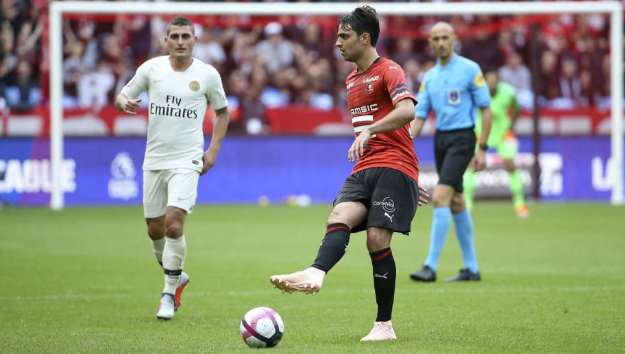 RENNES, FRANCE - SEPTEMBER 23: Clement Grenier of Stade Rennais, Marco Verratti of PSG (left) during the french Ligue 1 match between Stade Rennais FC (Rennes) and Paris Saint Germain (PSG) at Roazhon Park on September 23, 2018 in Rennes, France. (Photo by Jean Catuffe/Getty Images)