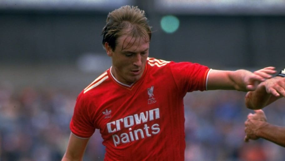 23 Aug 1986:  Steve McMahon of Liverpool in action during the League Division One match  \ Mandatory Credit: Allsport UK /Allsport