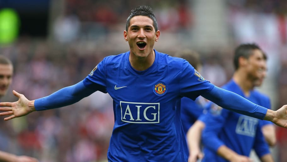 SUNDERLAND, ENGLAND - APRIL 11: Federico Macheda of Manchester United celebrates scoring his team's second goal during the Barclays Premier League match between Sunderland and Manchester United at The Stadium of Light on April 11, 2009 in Sunderland, England. (Photo by Alex Livesey/Getty Images)