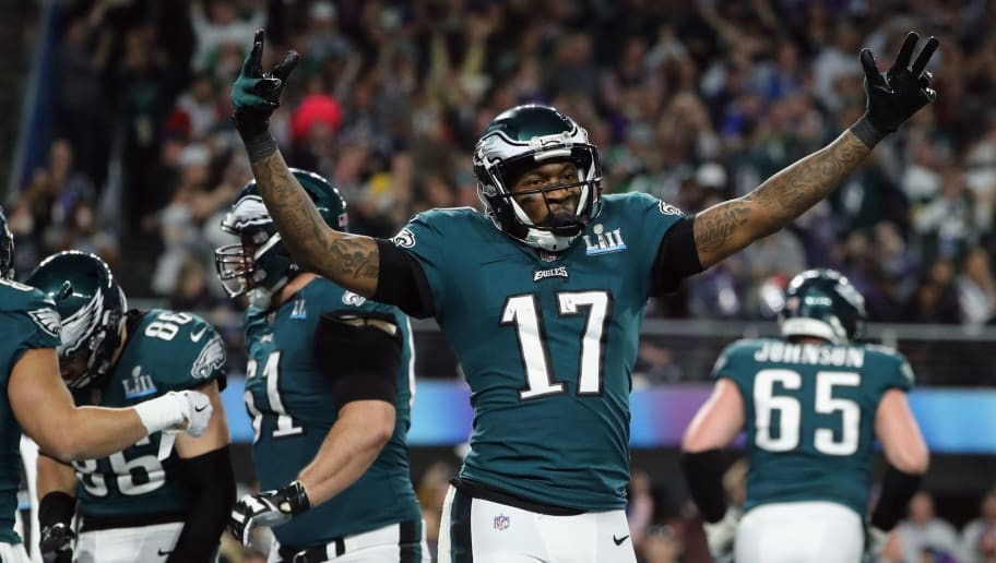 MINNEAPOLIS, MN - FEBRUARY 04: Alshon Jeffery #17  of the Philadelphia Eagles celebrates the 11-yard touchdown catch of teammate Zach Ertz #86 during the fourth quarter against the New England Patriotsin Super Bowl LII at U.S. Bank Stadium on February 4, 2018 in Minneapolis, Minnesota.  (Photo by Elsa/Getty Images)