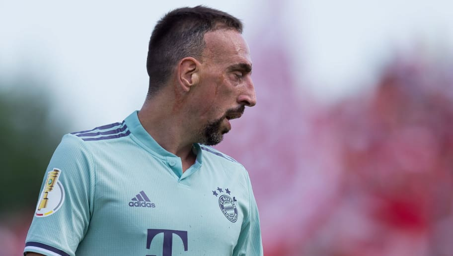 DROCHTERSEN, GERMANY - AUGUST 18: Franck Ribery of Bayern Muenchen looks on during the DFB Cup first round match between SV Drochtersen-Assel and Bayern Muenchen at Kehdinger Stadion on August 18, 2018 in Drochtersen, Germany. (Photo by TF-Images/Getty Images)