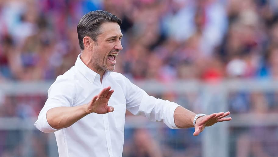 DROCHTERSEN, GERMANY - AUGUST 18: Head coach Niko Kovac of Bayern Muenchen gestures during the DFB Cup first round match between SV Drochtersen-Assel and Bayern Muenchen at Kehdinger Stadion on August 18, 2018 in Drochtersen, Germany. (Photo by TF-Images/Getty Images)