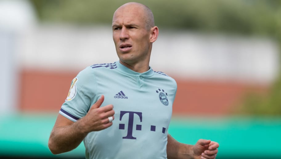 DROCHTERSEN, GERMANY - AUGUST 18: Arjen Robben of Bayern Muenchen looks on during the DFB Cup first round match between SV Drochtersen-Assel and Bayern Muenchen at Kehdinger Stadion on August 18, 2018 in Drochtersen, Germany. (Photo by TF-Images/Getty Images)