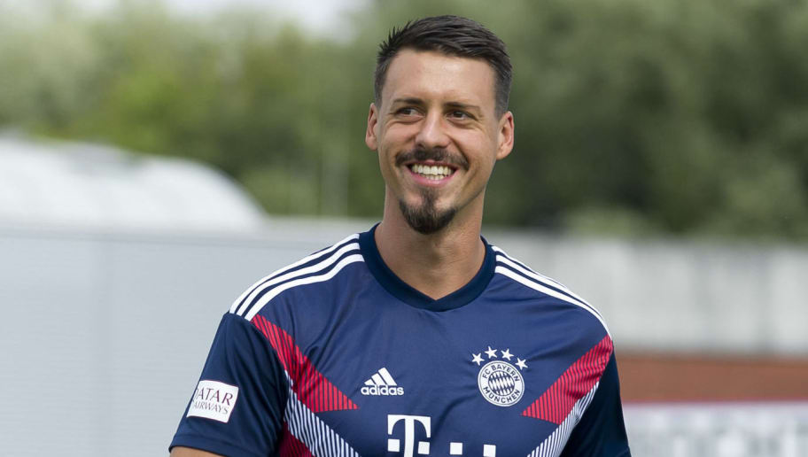 DROCHTERSEN, GERMANY - AUGUST 18: Sandro Wagner of Bayern Muenchen looks on prior to the DFB Cup first round match between SV Drochtersen-Assel and Bayern Muenchen at Kehdinger Stadion on August 18, 2018 in Drochtersen, Germany. (Photo by TF-Images/Getty Images)