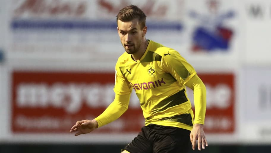 ROEDINGHAUSEN, GERMANY - APRIL 03: David Sauerland of Dortmund controls the ball during the Regionalliga West match between SV Roedinghausen and Borussia Dortmund II at Haecker-Wiehenstadion on April 03, 2018 in Roedinghausen, Germany. (Photo by TF-Images/Getty Images)