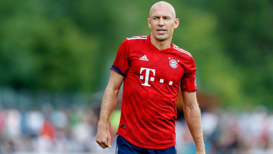 ROTTACH-EGERN, GERMANY - AUGUST 08: Arjen Robben of Bayern Muenchen looks on during the friendly match between SV Rottach-Egern and FC Bayern Muenchen on August 8, 2018 in Rottach-Egern, Germany. (Photo by TF-Images/Getty Images)