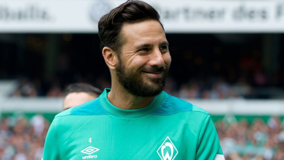 BREMEN, GERMANY - SEPTEMBER 16: Claudio Pizarro of Werder Bremen looks on during the Bundesliga match between SV Werder Bremen and 1. FC Nuernberg at Weserstadion on September 16, 2018 in Bremen, Germany. (Photo by TF-Images/TF-Images via Getty Images)