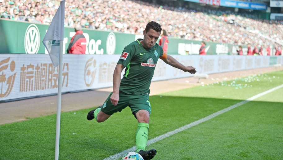 BREMEN, GERMANY - MAY 05: Zlatko Junuzovic of Bremen kicks the ball during the Bundesliga match between SV Werder Bremen and Bayer 04 Leverkusen at Weserstadion on May 5, 2018 in Bremen, Germany. (Photo by Thomas Starke/Bongarts/Getty Images)