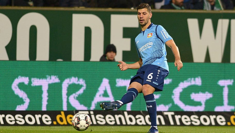 BREMEN, GERMANY - OCTOBER 28: Aleksander Dragovic of Bayer 04 Leverkusen controls the ball during the Bundesliga match between SV Werder Bremen and Bayer 04 Leverkusen at Weserstadion on October 28, 2018 in Bremen, Germany. (Photo by TF-Images/Getty Images)