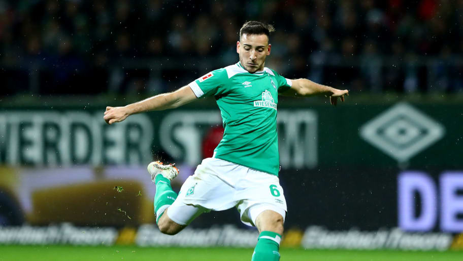 BREMEN, GERMANY - DECEMBER 07: Kevin Moehwald of Bremen runs with the ball during the Bundesliga match between SV Werder Bremen and Fortuna Duesseldorf at Weserstadion on December 07, 2018 in Bremen, Germany. (Photo by Martin Rose/Bongarts/Getty Images)