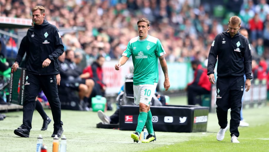 BREMEN, GERMANY - AUGUST 25:  Max Kruse of Bremen reacts after he walks injured off the field during the Bundesliga match between SV Werder Bremen and Hannover 96 at Weserstadion on August 25, 2018 in Bremen, Germany.  (Photo by Martin Rose/Bongarts/Getty Images)