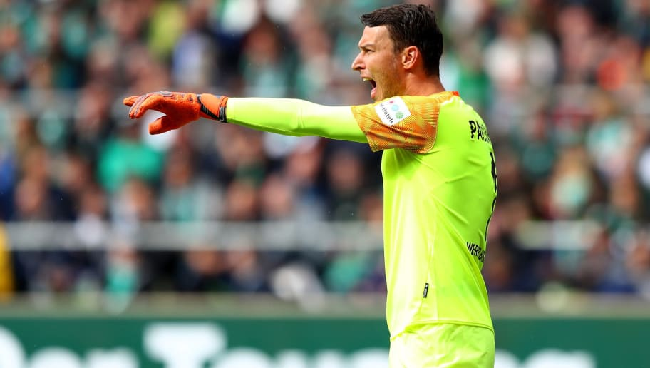 BREMEN, GERMANY - AUGUST 25: Jiri Pavlenka, goalkeeper of Bremen gestures during the Bundesliga match between SV Werder Bremen and Hannover 96 at Weserstadion on August 25, 2018 in Bremen, Germany.  (Photo by Martin Rose/Bongarts/Getty Images)