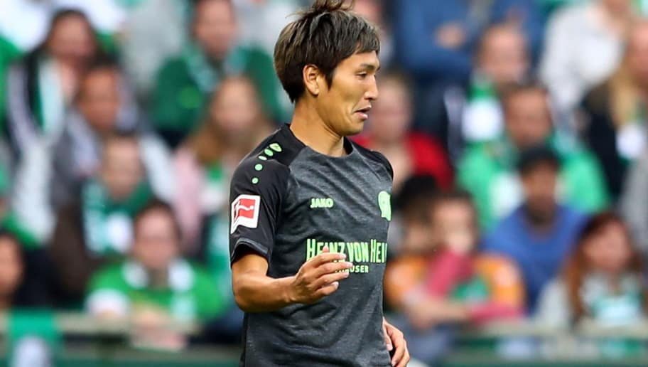 BREMEN, GERMANY - AUGUST 25:  Genki Haraguchi of Hannover runs with the ball during the Bundesliga match between SV Werder Bremen and Hannover 96 at Weserstadion on August 25, 2018 in Bremen, Germany.  (Photo by Martin Rose/Bongarts/Getty Images)