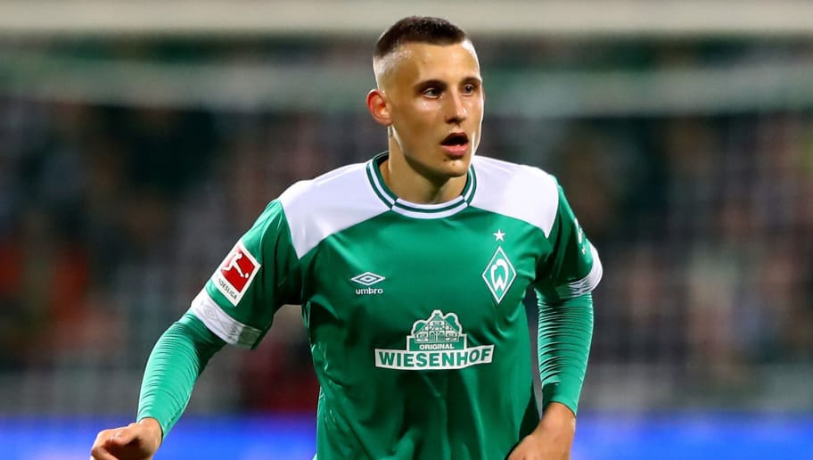 BREMEN, GERMANY - SEPTEMBER 25:  Maximilian Eggestein of Bremen runs with the ball during the Bundesliga match between SV Werder Bremen and Hertha BSC at Weserstadion on September 25, 2018 in Bremen, Germany.  (Photo by Martin Rose/Bongarts/Getty Images)