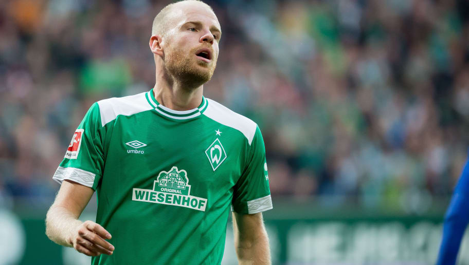 BREMEN, GERMANY - SEPTEMBER 25: Davy Klaassen of Werder Bremen looks on during the Bundesliga match between SV Werder Bremen and Hertha BSC at Weserstadion on September 25, 2018 in Bremen, Germany. (Photo by TF-Images/Getty Images)