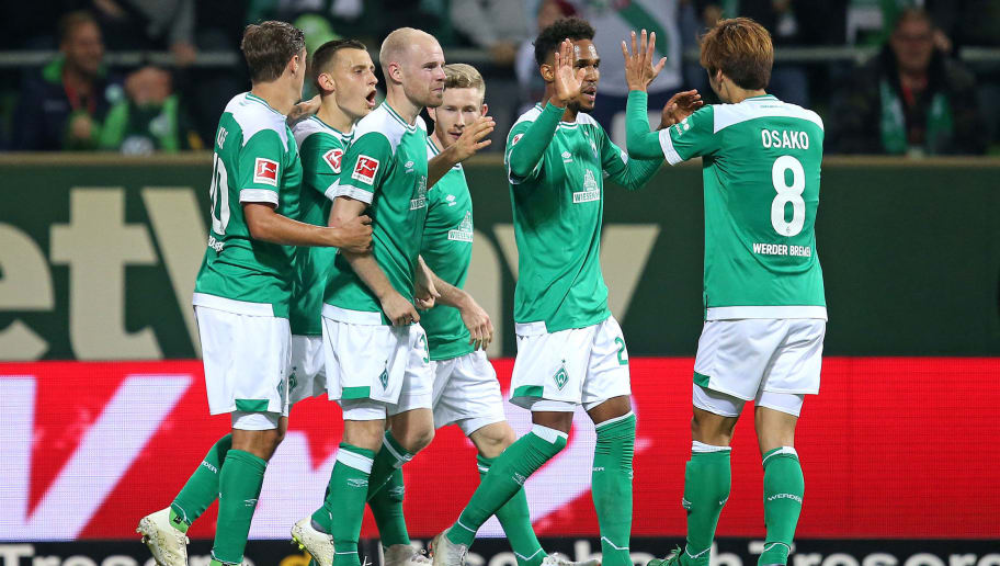 BREMEN, GERMANY - OCTOBER 05: The players of Bremen celebrate after scoring during the Bundesliga match between SV Werder Bremen and VfL Wolfsburg at Weserstadion on October 5, 2018 in Bremen, Germany. (Photo by Cathrin Mueller/Bongarts/Getty Images)