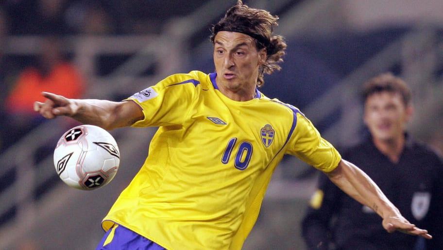 Sweden's Zlatan Ibrahimovic prepares for