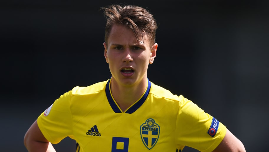 BURTON-UPON-TRENT, ENGLAND - MAY 10: Alex Timossi Andersson of Sweden looks on during the UEFA European Under-17 Championship match between Sweden and Portugal at Pirelli Stadium on May 10, 2018 in Burton-upon-Trent, England. (Photo by Nathan Stirk/Getty Images)
