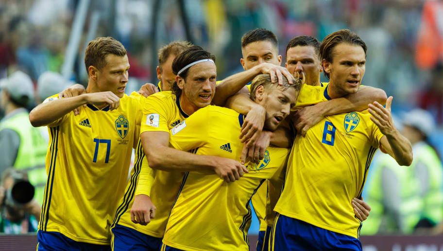 SAINT PETERSBURG, RUSSIA - JULY 3: Emil Forsberg #10 of Sweden celebrates scoring goal 1-0, the result of the game, together with his teammates during the 2018 FIFA World Cup Russia Round of 16 match between Sweden and Switzerland at Saint Petersburg Stadium on July 3, 2018 in Saint Petersburg, Russia. (Photo by Daniel Malmberg/Getty Images)