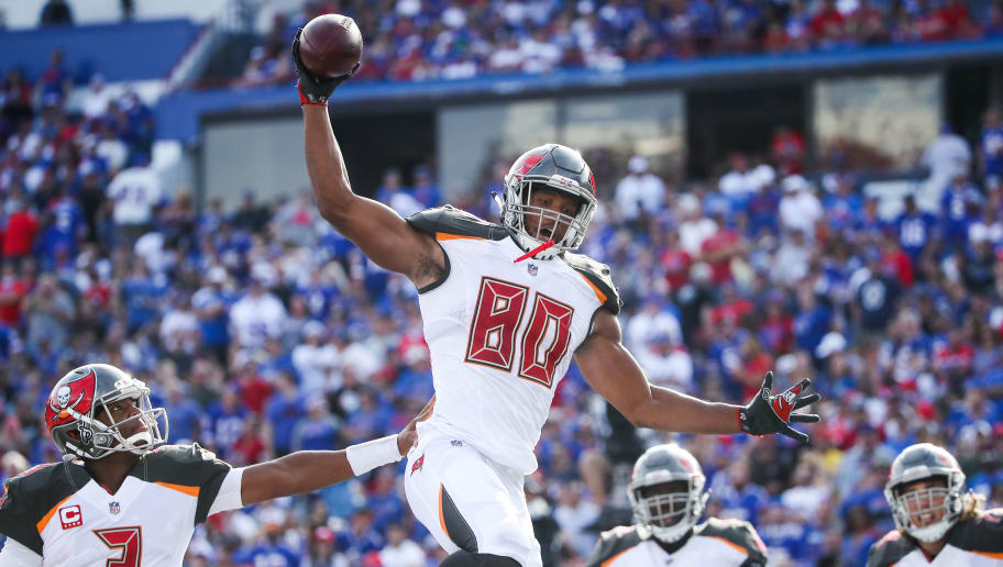 ORCHARD PARK, NY - OCTOBER 22:  O.J. Howard #80 of the Tampa Bay Buccaneers celebrates with teammates after scoring a touchdown during the third quarter of an NFL game against the Buffalo Bills on October 22, 2017 at New Era Field in Orchard Park, New York.  (Photo by Tom Szczerbowski/Getty Images)