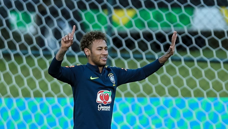 TERESOPOLIS, BRAZIL - MAY 22: Neymar gestures during a training session of the Brazilian national football team at the squad's Granja Comary training complex on May 22, 2018 in Teresopolis, Brazil. (Photo by Buda Mendes/Getty Images)