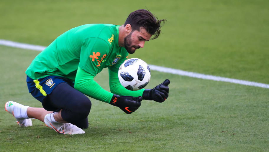 TERESOPOLIS, BRAZIL - MAY 24: Goalkeeper Alisson Becker in action during a training session of the Brazilian national football team at the squad's Granja Comary training complex on May 24, 2018 in Teresopolis, Brazil. (Photo by Buda Mendes/Getty Images)
