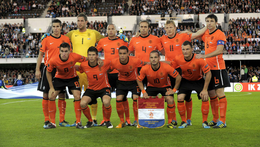 The Dutch team poses ahead of their Euro 2012 Group E qualifying football match Finland vs the Netherlands at the Olympic Stadium in Helsinki, Finland, on September 6, 2011. (FromL) Front row: Kevin Strootman, Klaas-Jan Huntelaar, Gregory van der Wiel, Wesley Sneijder, Erik Pieters, Robin van Persie and back row: Maarten Stekelenburg, John Heitinga, Joris Mathijsen, Dirk Kuyt and Mark van Bommel.    AFP PHOTO/ LEHTIKUVA/ JUSSI HELTTUNEN      *** FINLAND OUT ***        (Photo credit should read Jussi Helttunen/AFP/GettyImages)