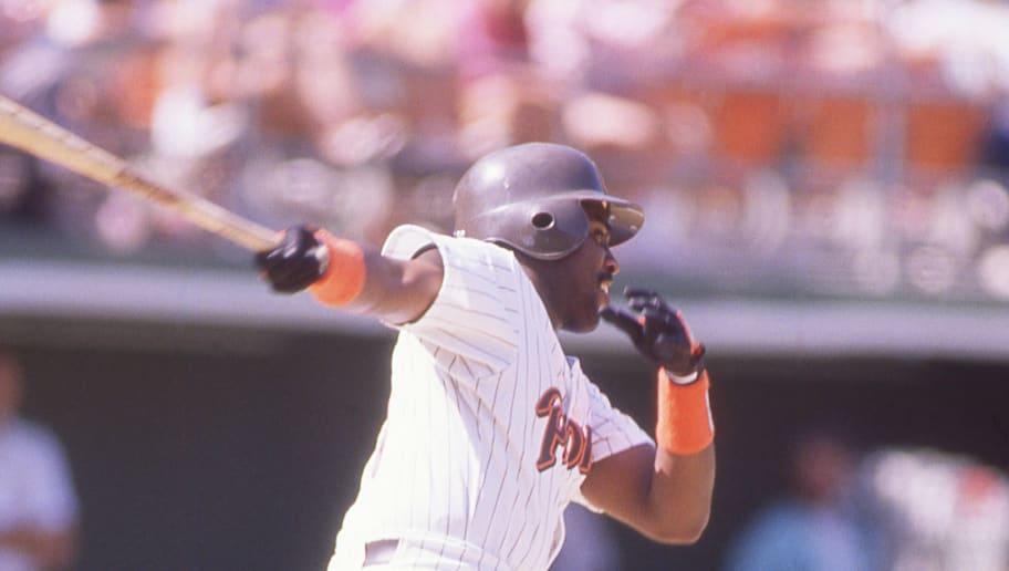 SAN DIEGO, CA-CIRCA 1987: Tony Gwynn of the San Diego Padres bats at Jack Murphy Stadium circa 1987 in San Diego, California.  (Photo by Owen C. Shaw/Getty Images)