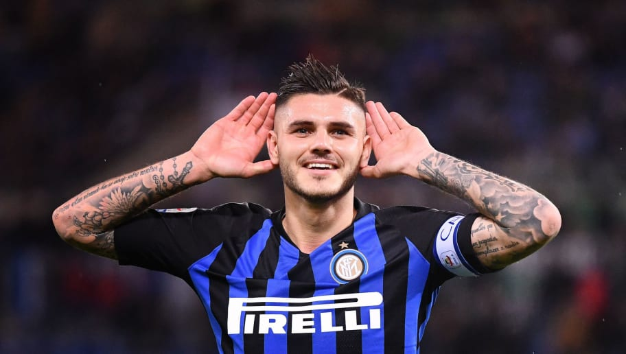 TOPSHOT - Inter Milan's Argentinan forward Mauro Icardi celebrates after scoring during Italian Serie A football match Lazio between Inter Milan at the Olympic stadium in Roma, on October 29, 2018. (Photo by Alberto PIZZOLI / AFP)        (Photo credit should read ALBERTO PIZZOLI/AFP/Getty Images)