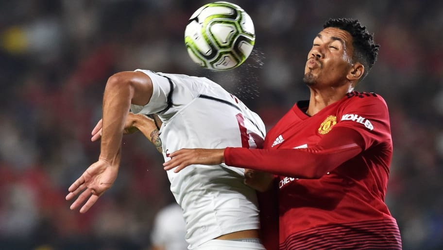 Manchester United S Chris Smalling Unfazed By Harry Maguire And