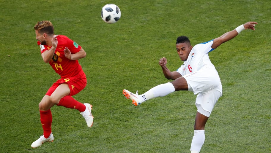 TOPSHOT - Panama's midfielder Edgar Barcenas (R) attempts a volley as he is closed down by Belgium's forward Dries Mertens during the Russia 2018 World Cup Group G football match between Belgium and Panama at the Fisht Stadium in Sochi on June 18, 2018. (Photo by Odd ANDERSEN / AFP) / RESTRICTED TO EDITORIAL USE - NO MOBILE PUSH ALERTS/DOWNLOADS        (Photo credit should read ODD ANDERSEN/AFP/Getty Images)