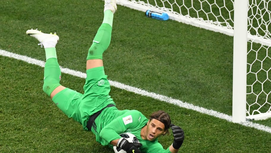 TOPSHOT - Switzerland's goalkeeper Yann Sommer dives for the ball during the Russia 2018 World Cup Group E football match between Switzerland and Costa Rica at the Nizhny Novgorod Stadium in Nizhny Novgorod on June 27, 2018. (Photo by Dimitar DILKOFF / AFP) / RESTRICTED TO EDITORIAL USE - NO MOBILE PUSH ALERTS/DOWNLOADS        (Photo credit should read DIMITAR DILKOFF/AFP/Getty Images)