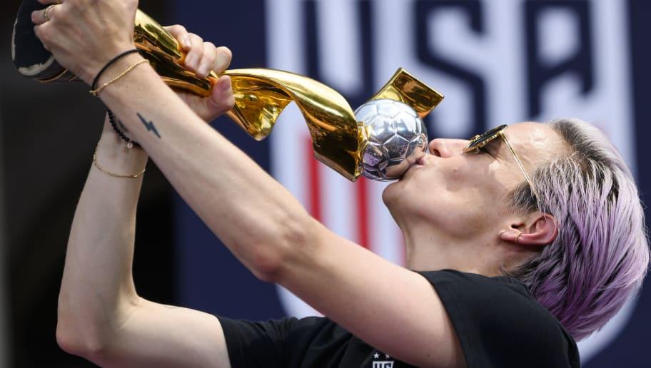 TOPSHOT-FBL-WC-2019-USA-WOMEN-PARADE