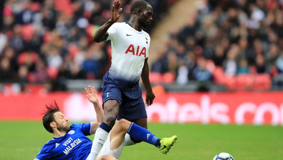 LONDON, ENGLAND - OCTOBER 06:  Harry Arter of Cardiff City tackles Moussa Sissoko of Tottenham Hotspur during the Premier League match between Tottenham Hotspur and Cardiff City at Tottenham Hotspur Stadium on October 6, 2018 in London, United Kingdom.  (Photo by Marc Atkins/Getty Images)