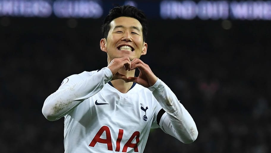 LONDON, ENGLAND - NOVEMBER 24: Heung-Min Son of Tottenham Hotspur celebrates after scoring his team's third goal during the Premier League match between Tottenham Hotspur and Chelsea FC at Tottenham Hotspur Stadium on November 24, 2018 in London, United Kingdom. (Photo by David Ramos/Getty Images)