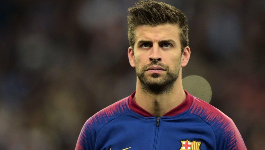 LONDON, ENGLAND - OCTOBER 03: Gerard Piqué of Barcelona looks on duringthe Group B match of the UEFA Champions League between Tottenham Hotspur and FC Barcelona at Wembley Stadium on October 3, 2018 in London, United Kingdom. (Photo by TF-Images/TF-Images via Getty Images)