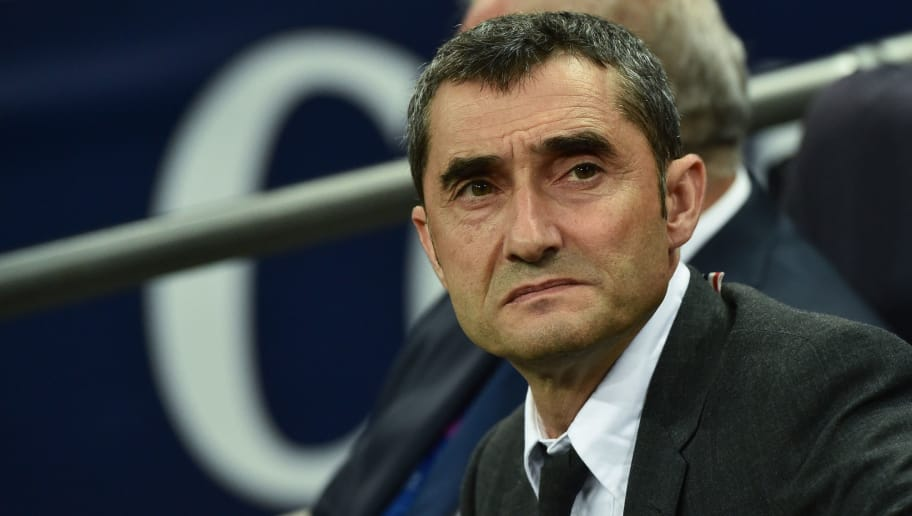 LONDON, ENGLAND - OCTOBER 03: Ernesto Valverde of Barcelona looks on duringthe Group B match of the UEFA Champions League between Tottenham Hotspur and FC Barcelona at Wembley Stadium on October 3, 2018 in London, United Kingdom. (Photo by TF-Images/TF-Images via Getty Images)