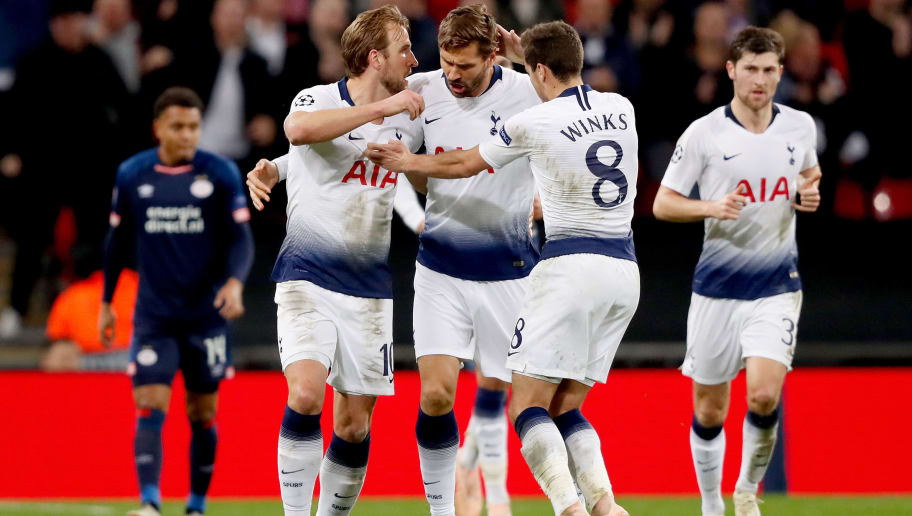 LONDON, UNITED KINGDOM - NOVEMBER 6: Harry Kane of Tottenham Hotspur celebrates 1-1 with Fernando Llorente of Tottenham Hotspur, Harry Winks of Tottenham Hotspur  during the UEFA Champions League  match between Tottenham Hotspur v PSV at the Wembley Stadium on November 6, 2018 in London United Kingdom (Photo by Edwin van Zandvoort/Soccrates/Getty Images)