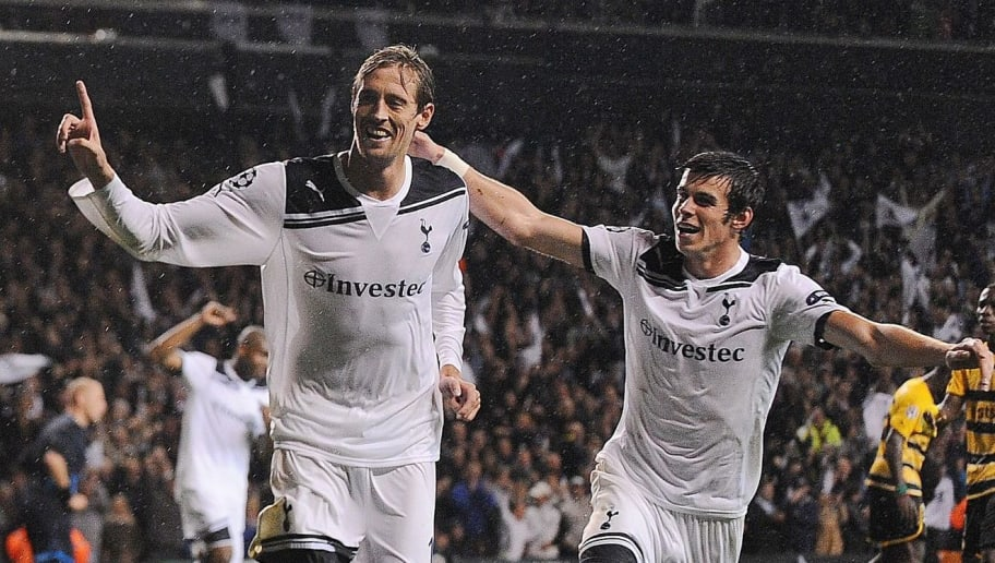 Tottenham's Peter Crouch (L) and Gareth