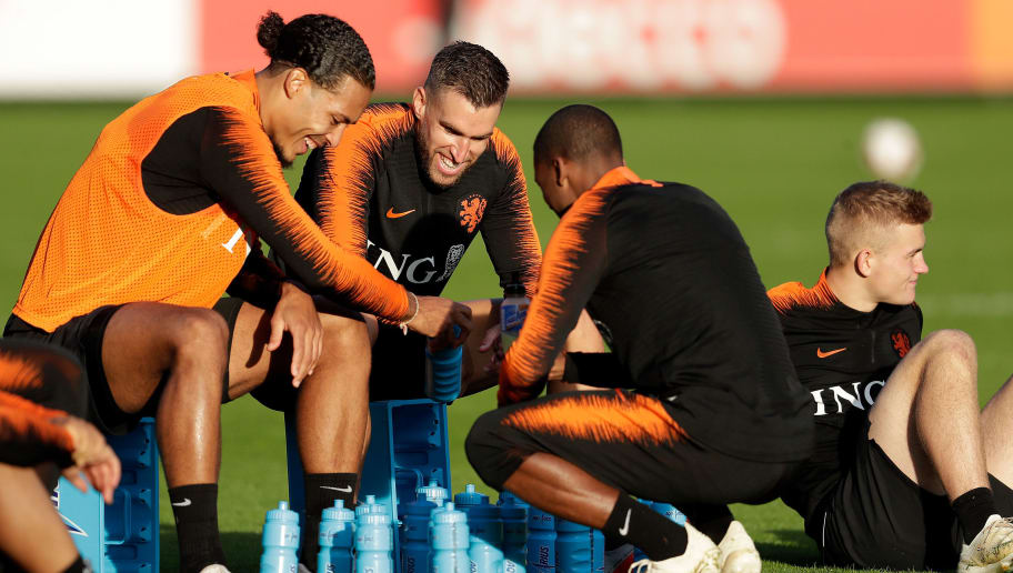 ZEIST, NETHERLANDS - OCTOBER 9: (L-R) Virgil van Dijk of Holland, Kevin Strootman of Holland, Georginio Wijnaldum of Holland during the   Training Holland at the KNVB Campus on October 9, 2018 in Zeist Netherlands (Photo by Laurens Lindhout/Soccrates /Getty Images)