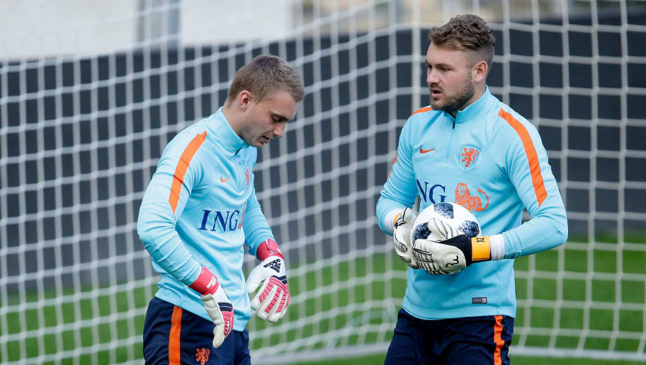 GENEVE, SWITZERLAND - MARCH 25: (L-R) Jasper Cillessen of Holland, Jeroen Zoet of Holland  during the   Training Holland in Geneve at the Stade de Geneve on March 25, 2018 in Geneve Switzerland (Photo by Eric Verhoeven/Soccrates/Getty Images)